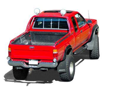 camioneta pick up: Una vista posterior de un rojo recoger camiones aislados en blanco