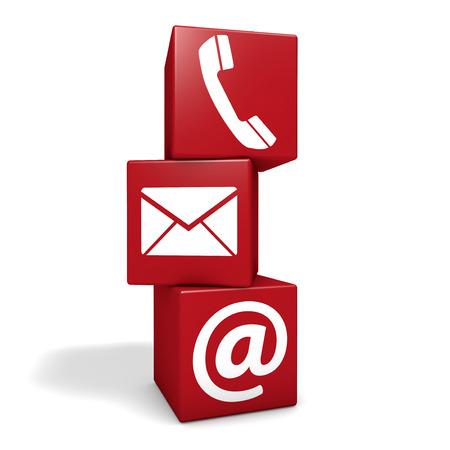 Web-und Internet-Kontakt-Seite-Konzept mit E-Mail, bei Symbol und Telefonsymbol auf drei roten Würfel auf weißem Hintergrund Standard-Bild - 28076908