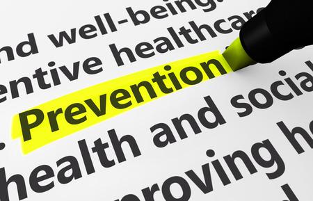 vida social: Concepto de salud preventiva con una representaci�n 3D de palabras relacionadas m�dicas y prevenci�n texto resaltado con un marcador amarillo.