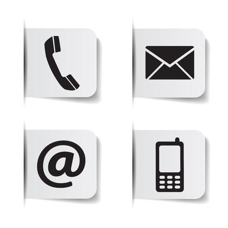 Web contáctenos iconos negros con teléfono, correo electrónico, teléfono móvil y en el símbolo en las etiquetas de papel con efectos de sombra EPS 10 ilustración vectorial aislados en fondo blanco.