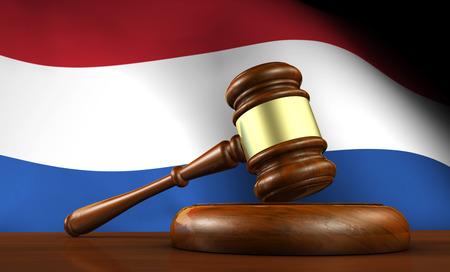 orden judicial: Ley y justicia de concepto Países Bajos con una representación 3D de un martillo sobre un escritorio de madera y la bandera holandesa en el fondo.