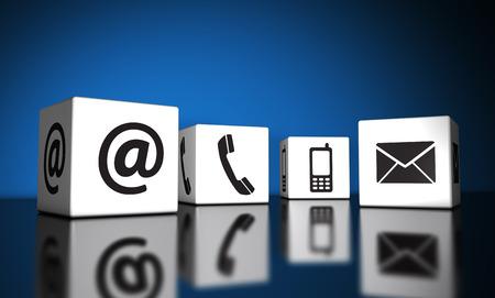 Web nous et concept de connexion Internet Contact email, téléphone mobile et au icônes et symboles sur des cubes avec la réflexion et fond bleu pour un site web, blog et entreprise en ligne.