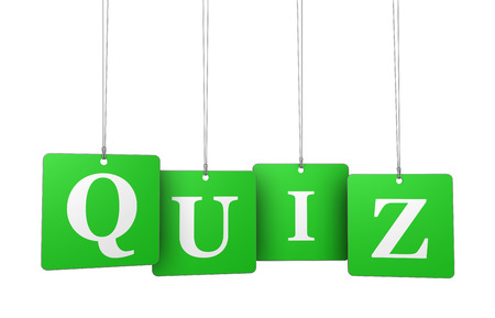 Quiz word and sign on green hanged label tags isolated on white background. Banque d'images