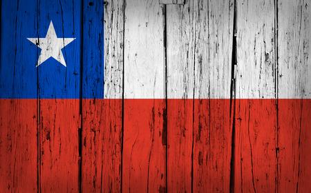 bandera chilena: estado de la madera de fondo del grunge Chile con la bandera chilena pintada en la pared de madera de edad. Foto de archivo