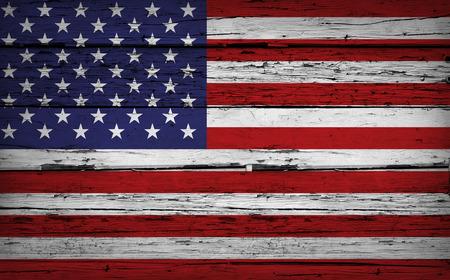 미국 국기와 미국 그런 지 나무 배경 세 나무 벽에 그려진. 스톡 콘텐츠