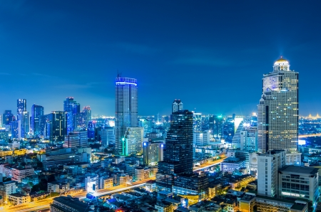 풍경 방콕 도시 황혼에서 현대적인 건물, 높은 각도.
