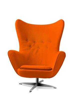 오렌지 현대적인 스타일의 의자는 흰색 배경에 고립