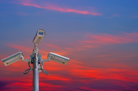 nightvision: Check the movement of the traffic cameras. The evening sky as a backdrop.