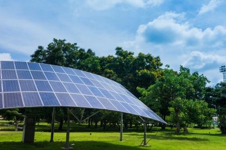 代替エネルギー, 太陽, 太陽エネルギー。環境に優しい。 写真素材 - 19912166