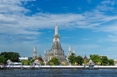 Der Tempel der Morgenröte, Wat Arun in Bangkok, Thailand Standard-Bild - 21756372