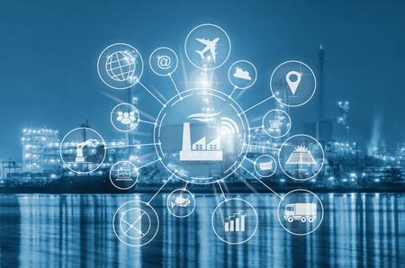 Industry 4.0, inteligentna fabryka z automatyzacją przepływu ikon i wymianą danych w technologiach wytwarzania.