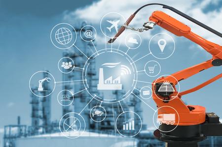 Industry 4.0 concepto, fábrica inteligente con la automatización de flujo de iconos y el intercambio de datos en las tecnologías de fabricación.