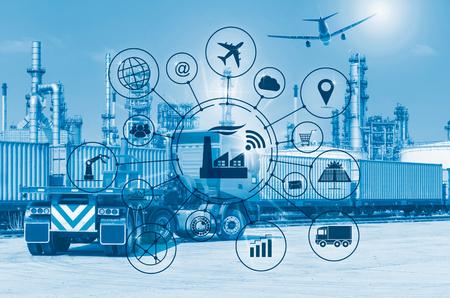 Concetto di Industry 4.0, fabbrica intelligente con automazione a flusso di icone e scambio di dati nelle tecnologie di produzione.