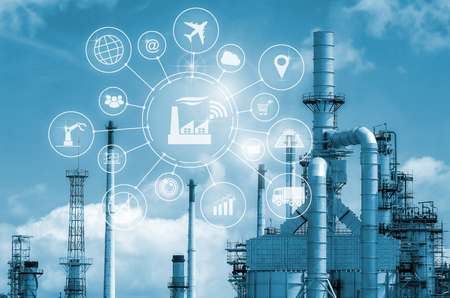 Industry 4.0 개념, 아이콘 흐름 자동화 및 제조 기술에서의 데이터 교환을 갖춘 지능형 공장.