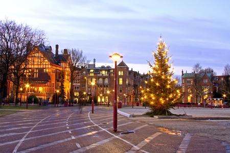 Museumplein bij christmastime in Amsterdam in Nederland bij schemering Stockfoto - 14269388