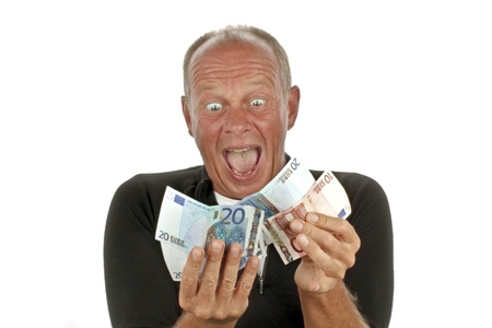 Man helemaal blij na het winnen van de loterij