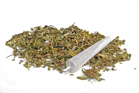 Marihuana Joint mit Marihuana Standard-Bild - 13989294
