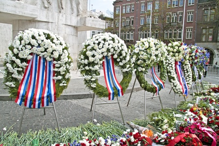 dam square: Wreaths on the Dam square during remembrance day Stock Photo