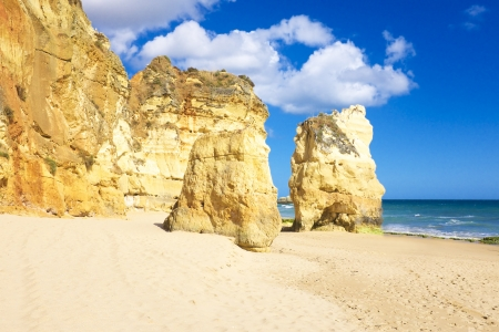 praia: Natural rocks at Praia da Rocha in Portugal