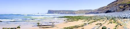 vale: Skały i ocean w Vale Figueiras w Portugalii