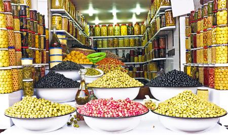 Olijven op een markt in Marokko, Afrika Stockfoto