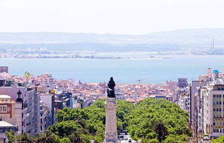 eduardo: Statue Eduardo VII  and overview from Lisbon, Portugal