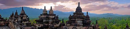 Panorama van Borobudur, 9e-eeuwse boeddhistische tempel in Magelang, Midden-Java, Azië Stockfoto