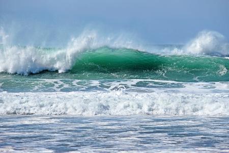 Wild atlantic ocean with high waves 免版税图像