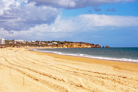 Praia Tres Irmaos in Alvor the Algarve Portugal Standard-Bild - 123552977