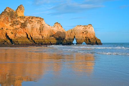 Praia Tres Irmaos in Alvor the Algarve Portugal Standard-Bild - 123553083