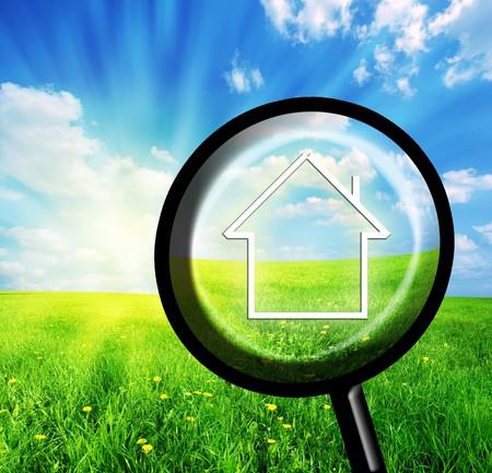 housing search: Nuova casa in immaginazione lente. Concettuale immagine