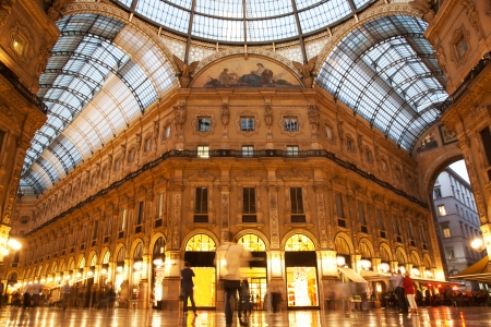 milánó: Vittorio Emanuele II Gallery belső Milánóban. Lombardia, Olaszország. Sajtókép
