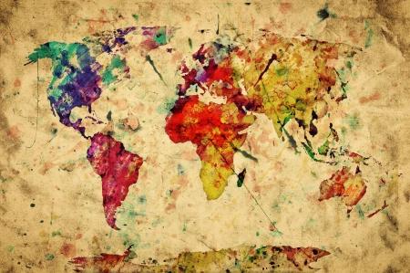 geografia: Vintage mapa del mundo. Colorido de la pintura, la acuarela, la expresión de estilo retro de grunge, papel viejo.