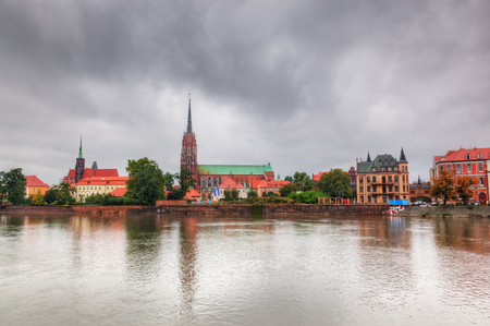 polska monument: Wroclaw, Poland. Ostrow Tumski and Oder River. Also known as Cathedral Island