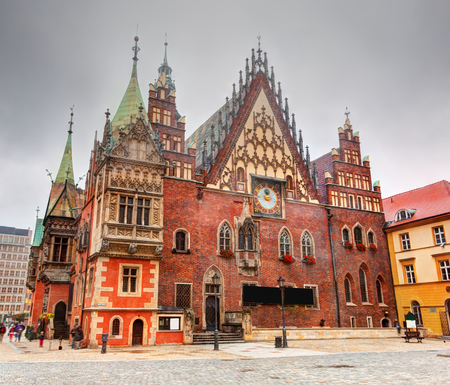 polska monument: Wroclaw, Poland. The historical Town Hall on market square. Silesia region.