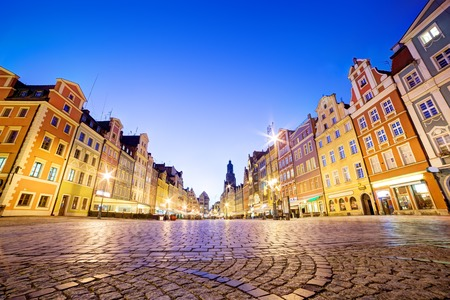 polska: Wroclaw, Poland. The market square at night and St. Elizabeths Church. Silesia region. Stock Photo