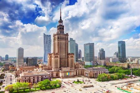 Warschau, Polen Luftbild Palast der Kultur und Wissenschaft und Innenstadt Geschäftshochhäuser, Stadtzentrum