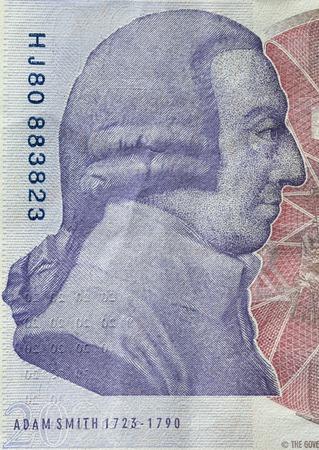 Adam Smith portrait on reverse of 20 pound sterling banknote. British currency Foto de archivo