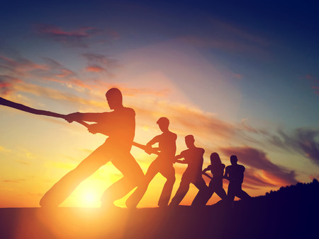juntos: Grupo de pessoas puxando linha, que joga o conflito.