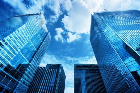 현대 비즈니스 고층 빌딩, 고층 건물, 하늘 아키텍처 모금, 태양. 금융, 경제, 미래 등의 개념 스톡 콘텐츠