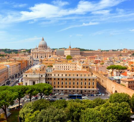 pietro: Vatican City. St. Peters Basilica and Vatican museums. View from Castel SantAngelo