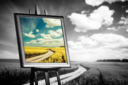 imagen del paisaje pintado sobre lienzo contra el campo en blanco y negro. Concepto de arte, nuevo mundo, la esperanza.
