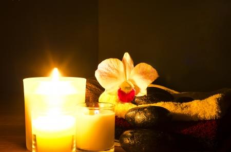 Luxuriöse Alternative Spa-Behandlung, mit Aromatherapie-Kerzen Standard-Bild - 19486097
