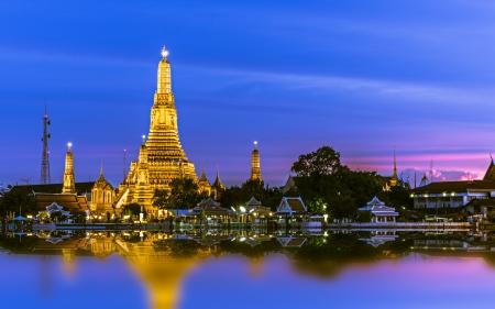stupas: Wat Arun (Temple of Dawn), Bangkok, Thailand. Stock Photo