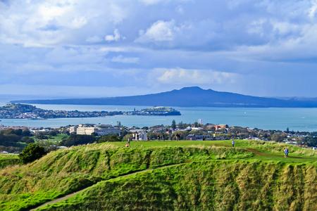 Auckland s Mount Eden New Zealand  版權商用圖片