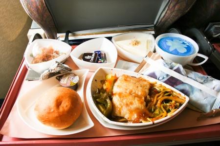 機内食、航空会社の食事