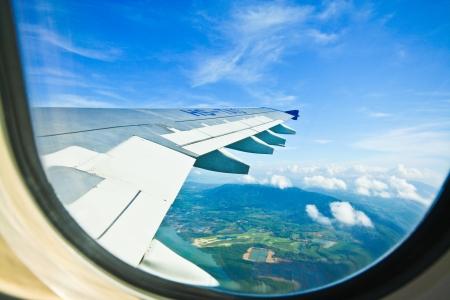 飛行機の窓から見る