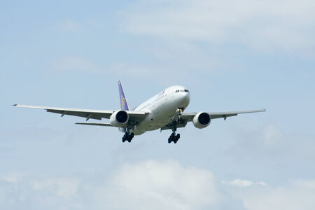 HS-TJF of Boeing 777-200 Thaiairway, Photo from chiangmai airport