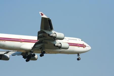 747 400: Chiangmai Thailandia-1 APRILE 2009 HS-TGM Boeing 747-400 di Thaiairway Landing all'aeroporto di Chiangmai da Bangkok Suvarnabhumi Tailandia