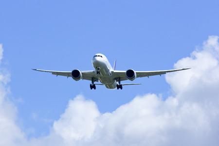 CHIANGMAI , THAILAND - SEPTEMBER 8 2014: Boeing 787-800 Dreamliner HS-TQA of Thaiairway.First of 787 for Thaiairway.Photo shot of landing to Chiangmai airport from Bangkok Suvarnabhumi, thailand. Editoriali